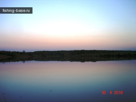 Вид на другой берег закат